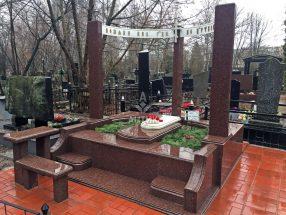 Памятник с надгробной плитой фото 19