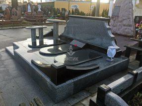 Памятник с надгробной плитой фото 10