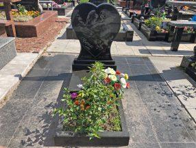 Памятник с сердцем фото 29