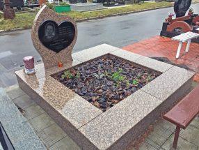 Памятник с сердцем фото 4